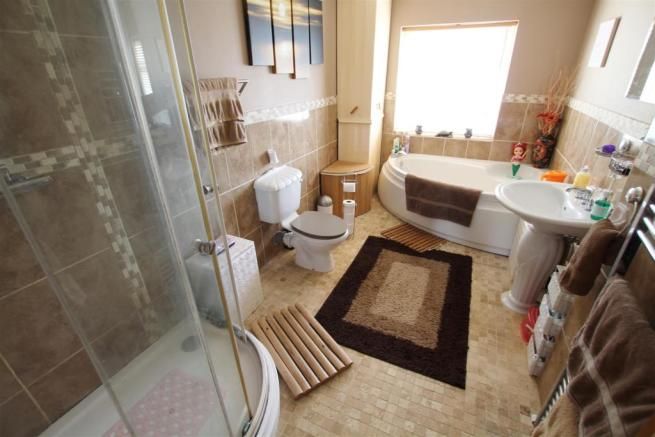 Beautifully Appointed Extended Bathroom