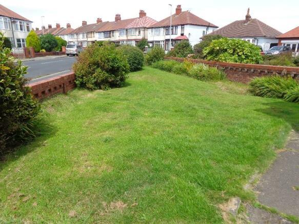 Garden front/side