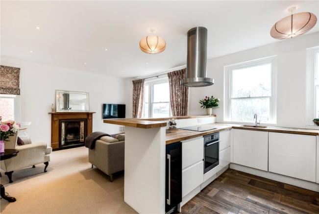 3 Bedroom Apartment For Sale In Chelwood House Embankment Gardens - Excellent-3-bedroom-london-apartment-in-chelsea-area