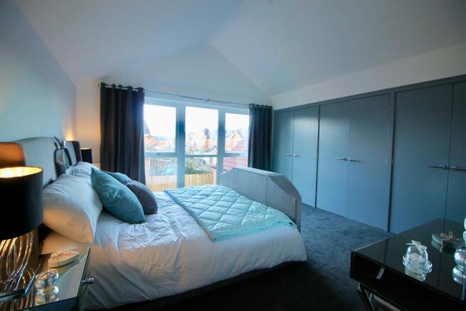 1ST FLOOR-MASTER BEDROOM