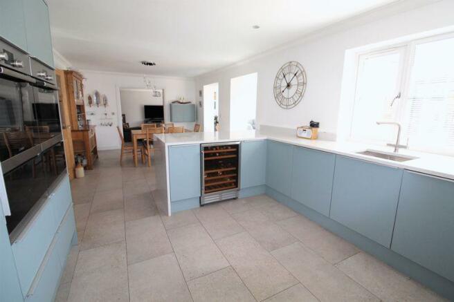 Kitchen Area(2)