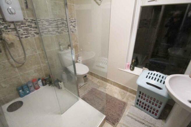F.F. Shower Room