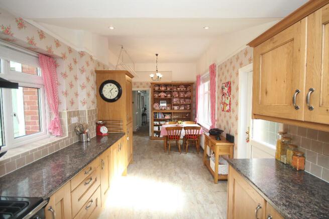 4 Bedroom Semi Detached House For Sale In Ashfield Grove