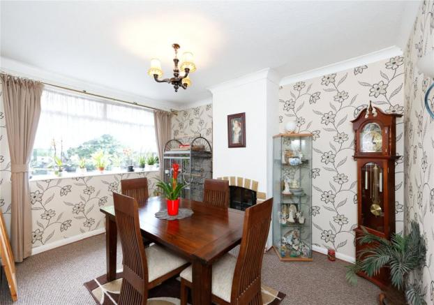 3 Bedroom Detached House For Sale In Vickers Avenue Leeds West