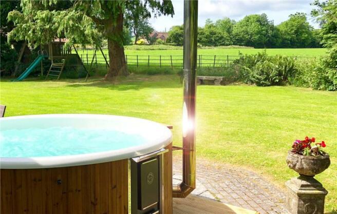Hot Tub & Garden