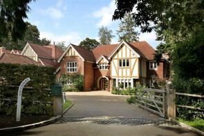 Photo of Rotherfield Garth, Harpsden Way, Henley-on-Thames, RG9