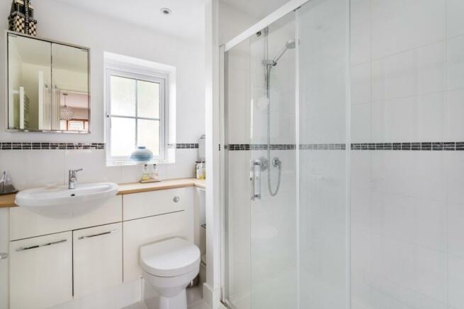 Bathroom Plus En-Sui