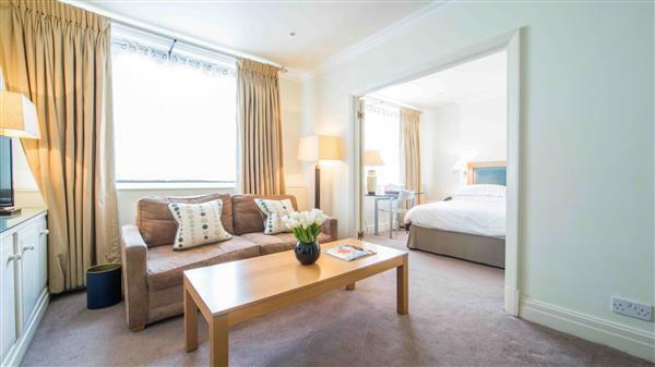 reception-room-1-bedroom-apartment