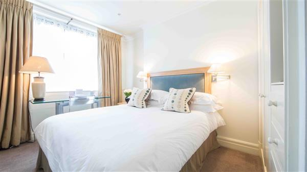 bedroom-1-bedroom-apartment