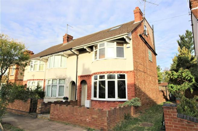4 Bedroom End Of Terrace House For Sale In Harvey Road Bedford Mk41