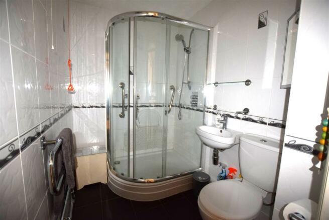 Shower Roojm.JPG