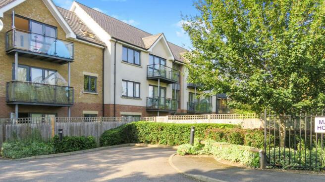 2 Bedroom Flat For Sale In Queensway Hemel Hempstead Hp2
