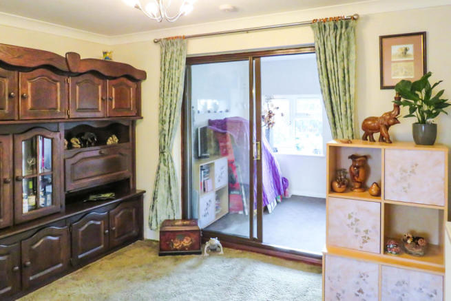 3 Bedroom End Of Terrace House For Sale In Cornbrook Road