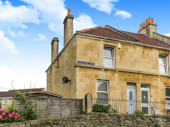 2 bedroom end of terrace house for sale in highland road, bath, ba2