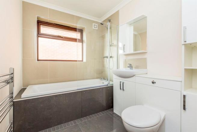 Luxury Bathroom: