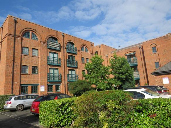 2 bedroom apartment for sale in Hoole Lane, Chester, CH2