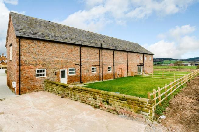 4 Bedroom Barn Conversion For Sale In Wrexham Road Ridley