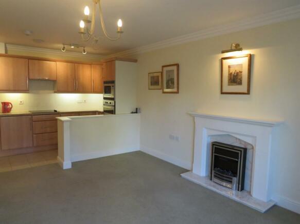 Open-Plan Lounge & Kitchen