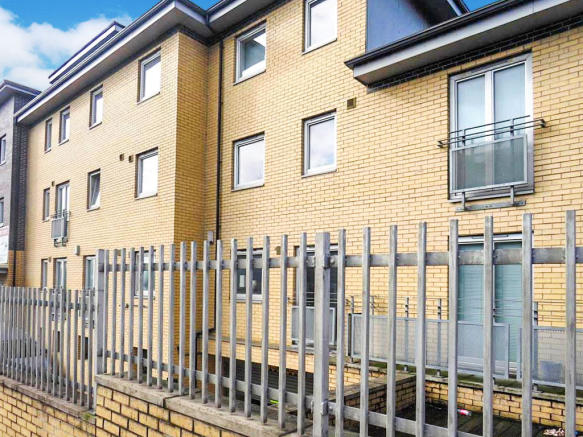 2 bedroom apartment for sale in Station Road, Crossgates ...