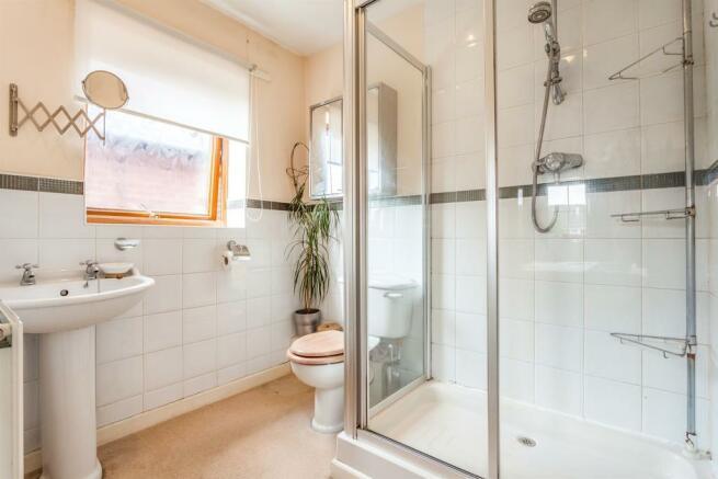 4 bedroom detached house for sale in Blenheim Drive, Dewsbury, WF13