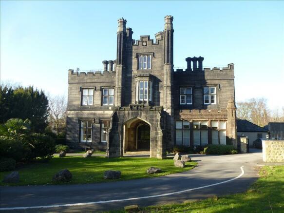Headingley Castle