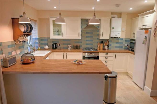 Kitchen Area: