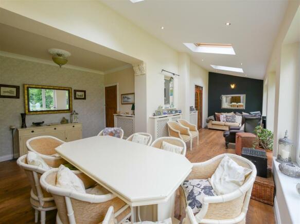 Garden Room / Dining Room