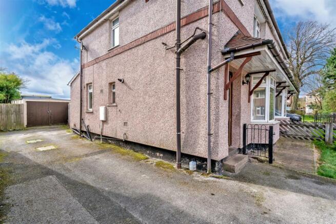 Clarkes Avenue, Hednesford, CANNOCK, WS12 4LD-25.j