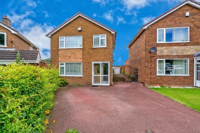 2, Pear Tree Close, Cannock, Staffordshire, WS12 4