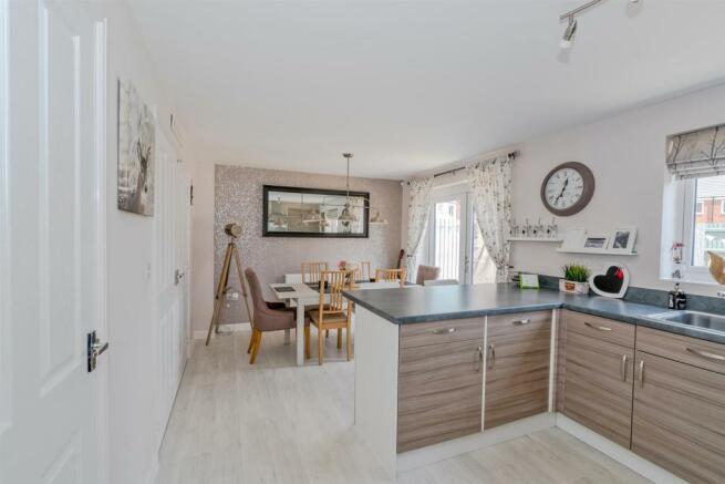 54, Lamplight Way, Hednesford, Cannock, WS12 4FQ (