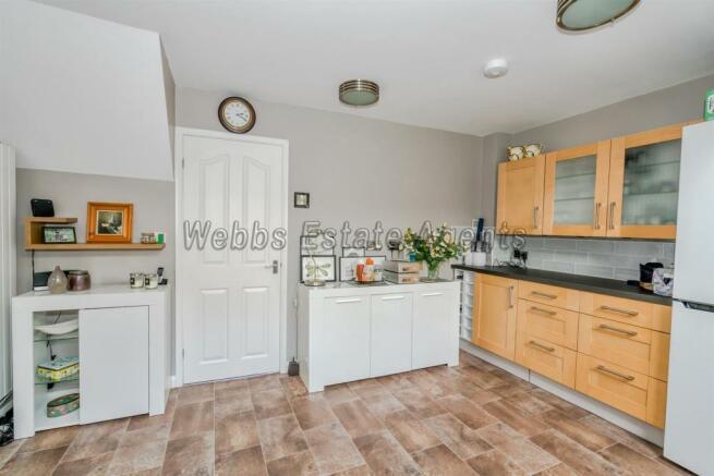 20, Lea Lane, Walsall, Staffordshire, WS6 6BZ (11
