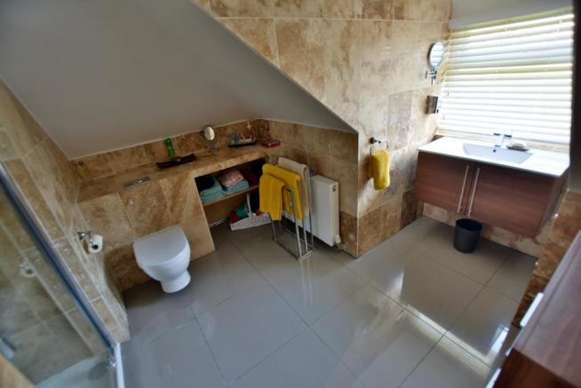 First floor luxuriously appointed shower room