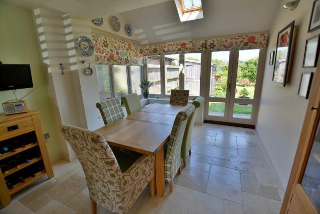 Kitchen/breakfast room/dining room