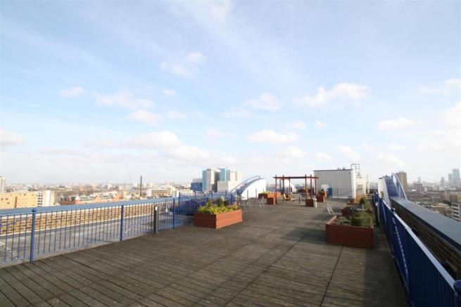 COMMUNAL ROOF TERRACE VIEW