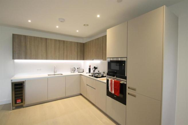 KITCHEN (photo of similar flat)
