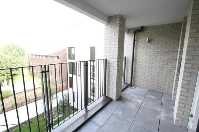 BALCONY (photo of similar flat)