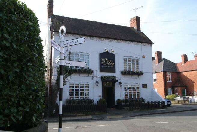 Bell & Cross Pub