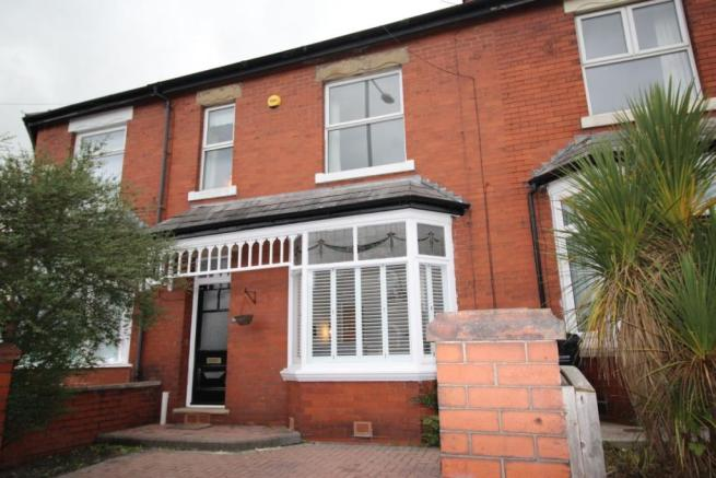 3 Bedroom Terraced House For Sale Compstall Road