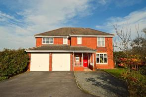 Photo of Windsor Close, Cullompton, Devon, EX15