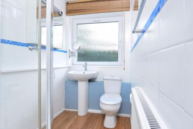 Bathroom (shot 1)