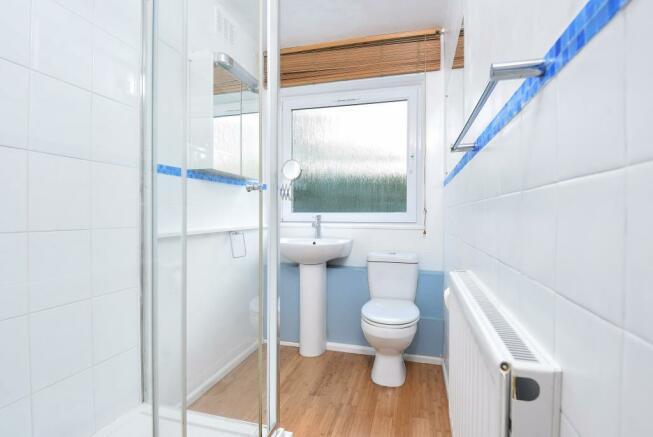 Bathroom (shot 2)