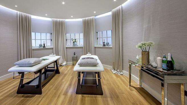 Building Shot: Star & Garter Treatment Room