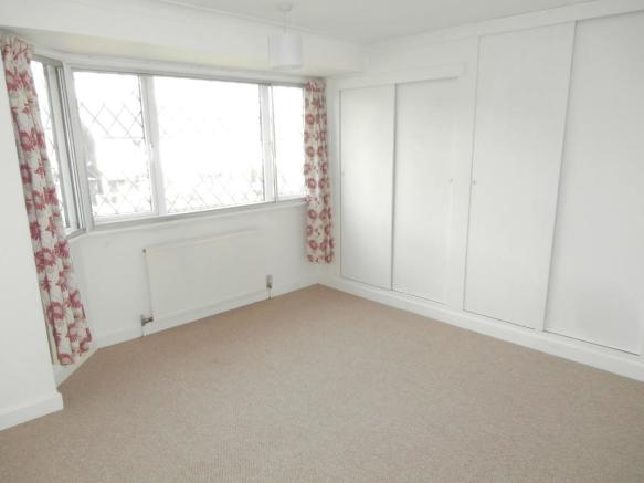 Double bedrom with built in wardrobes