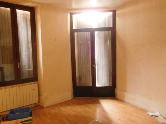1st Floor : Living