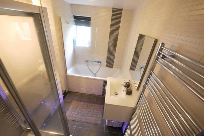 Split Level Bathroom:-