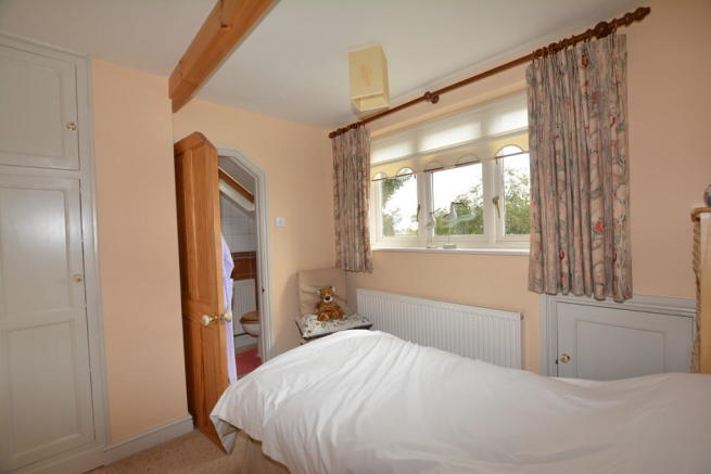3 Bedroom Detached House For Sale In Main Street