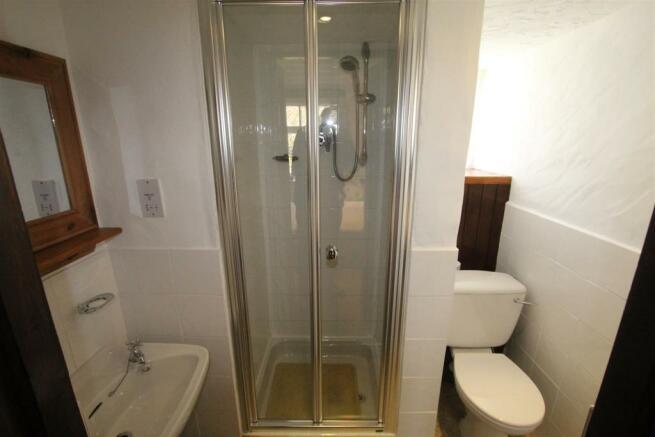 Room 8 En-suite Shower Room