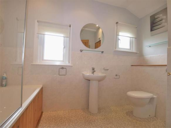 Bathroom.01.jpg