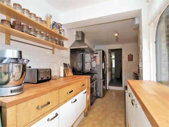 Kitchen.01.jpg