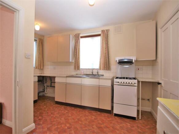 Kitchen.02.jpg